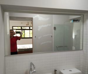 Aluminium Frame Mirror for Bathroom